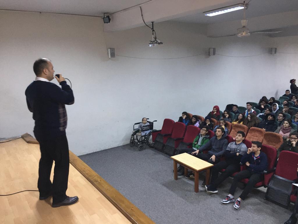 Mersin Akdeniz Tevfik Sırrı Gür Lisesi'nde  Bilinçli ve Güvenli İnternet Semineri