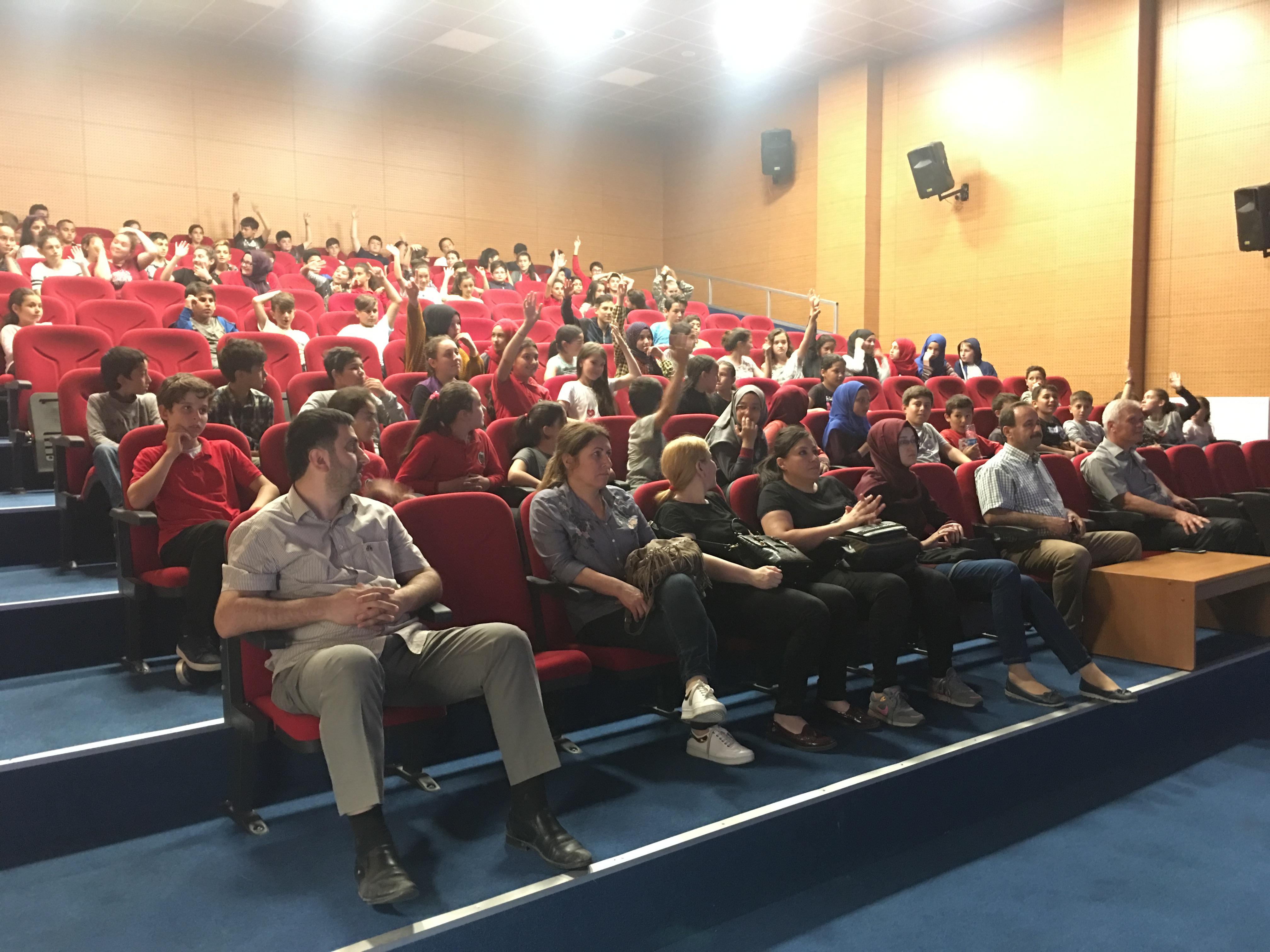 Ordu Gülyalı Merkez Ortaokulu ve Gülyalı İmam-Hatip Ortaokulu'da Bilinçli ve Güvenli İnternet Semineri