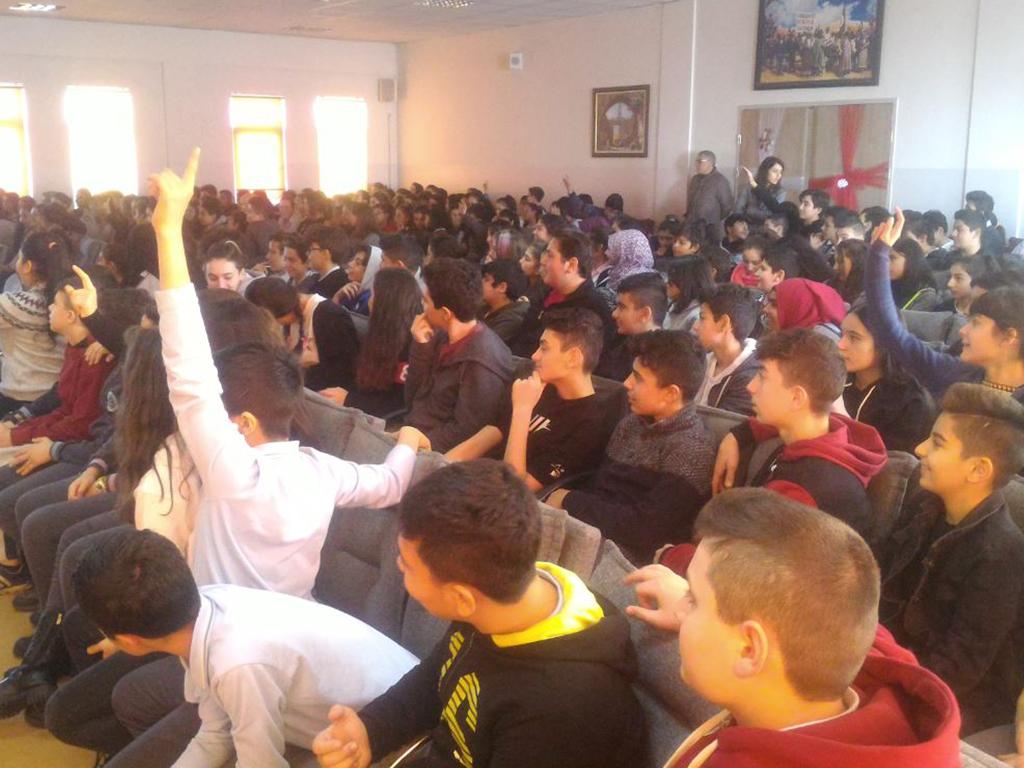 Ankara Yenimahalle Mehmet Ali Durak Ortaokulu'nda Bilinçli Ve Güvenli İnternet Semineri