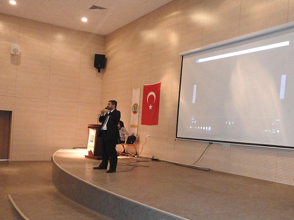 Ankara Gölbaşı Mehmet Akif Ersoy Anadolu İmam-Hatip Lisesi'nde Bilinçli ve Güvenli İnternet Semineri