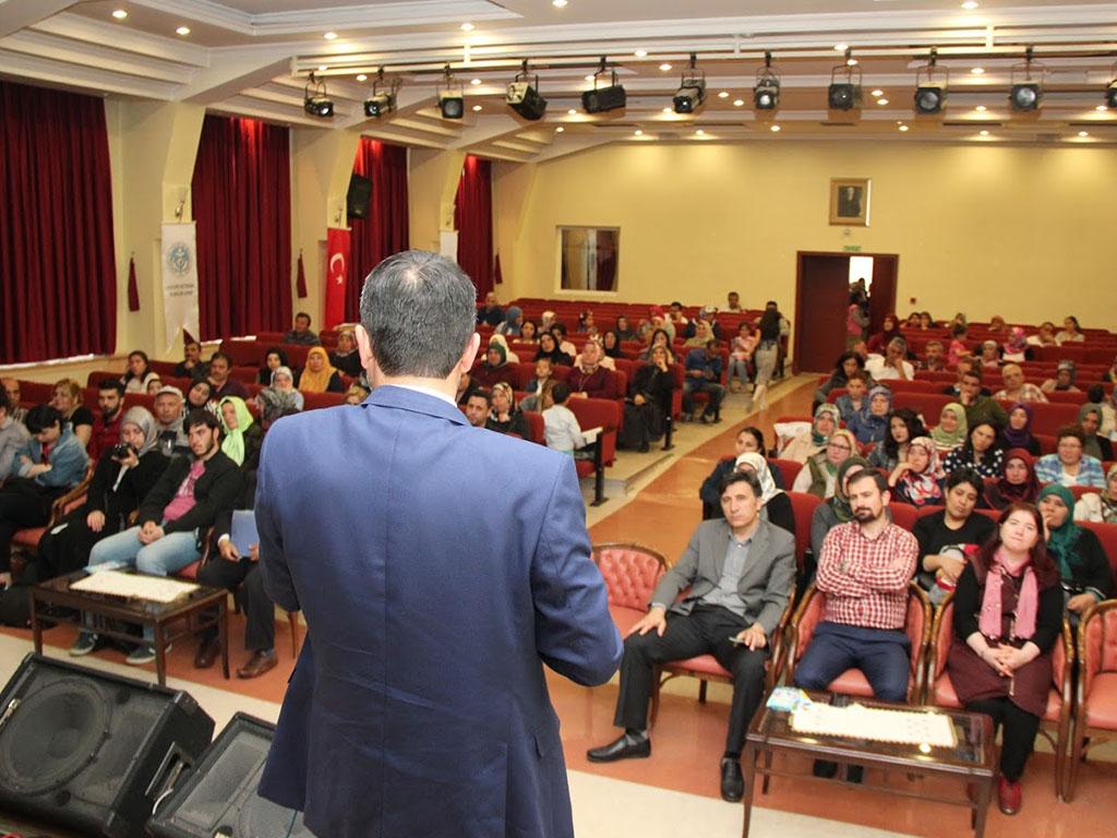 Ankara Altındağ Atatürk Mesleki ve Teknik Anadolu Lisesi Ebeveyn Semineri