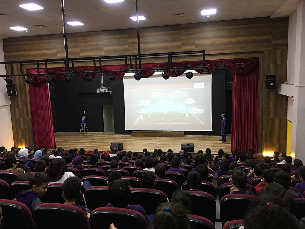 Diyarbakır Özel Maya Okulları'nda Bilinçli ve Güvenli İnternet Semineri