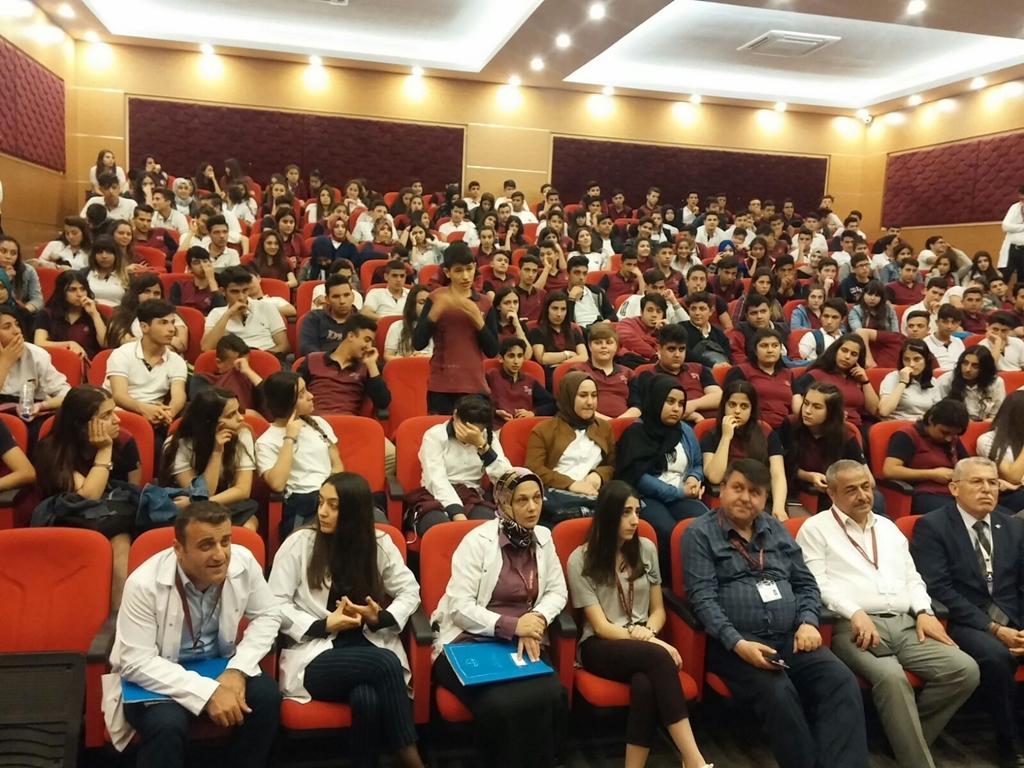 Hatay Özel Defne Mesleki Ve Teknik Anadolu Lisesi'nde Seminer