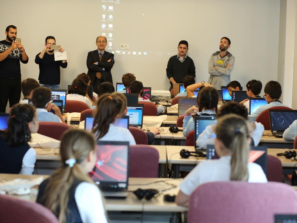 """Ankara - Uluslararası Çocuk ve Bilgi Güvenliği Etkinlikleri """"Kodlama"""" ve """"Güvenli İnternet"""" Eğitimleri"""