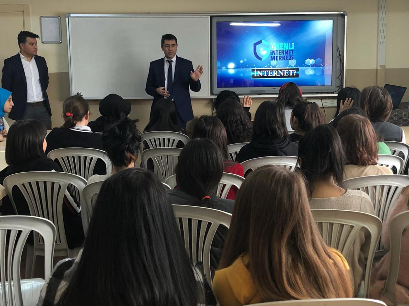 Ankara Çankaya Gaziosmanpaşa Kız Teknik ve Meslek Lisesi, Bilinçli Ve Güvenli İnternet Semineri