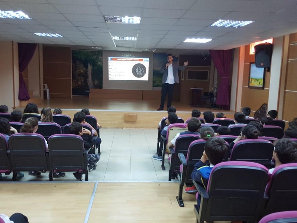 İstanbul 60.Yıl Ataköy Ortaokulu'nda Seminer