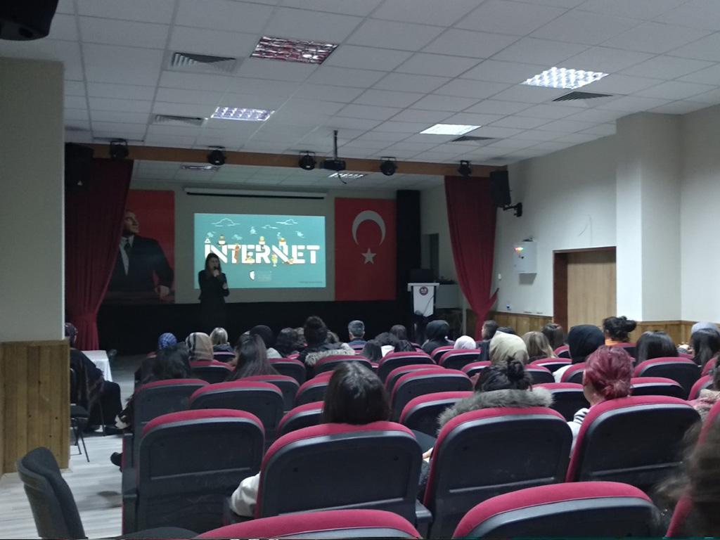 Ankara Çankaya Ali Hasan Coşkun Mesleki ve Teknik Anadolu Lisesinde, Bilinçli ve Güvenli İnternet Semineri