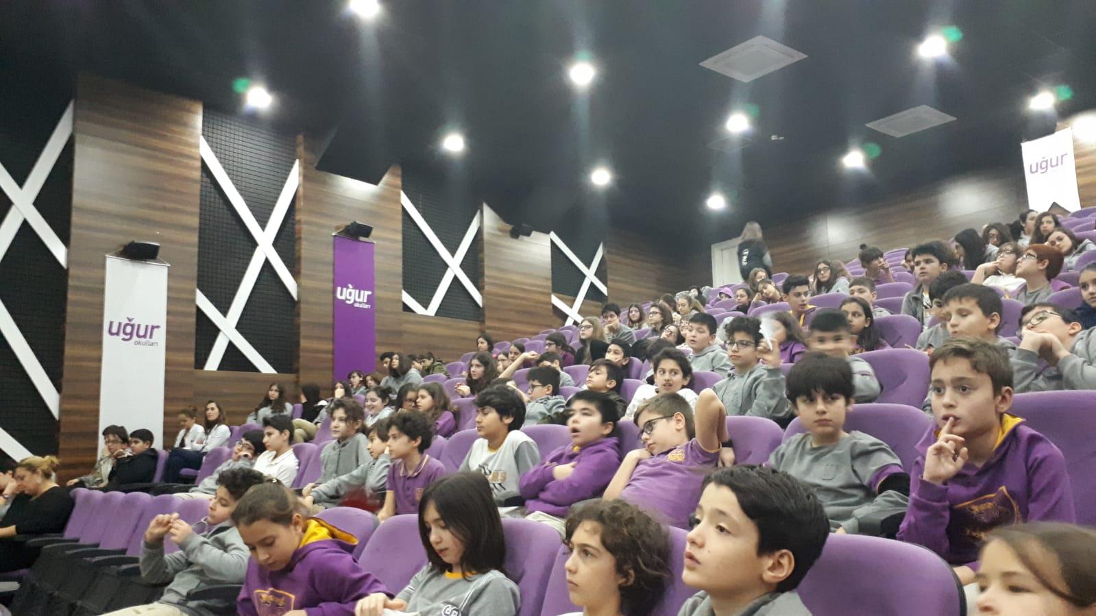 İstanbul Halkalı Uğur Okulları Mekez Kampüsünde, Bilinçli ve Güvenli İnternet Semineri