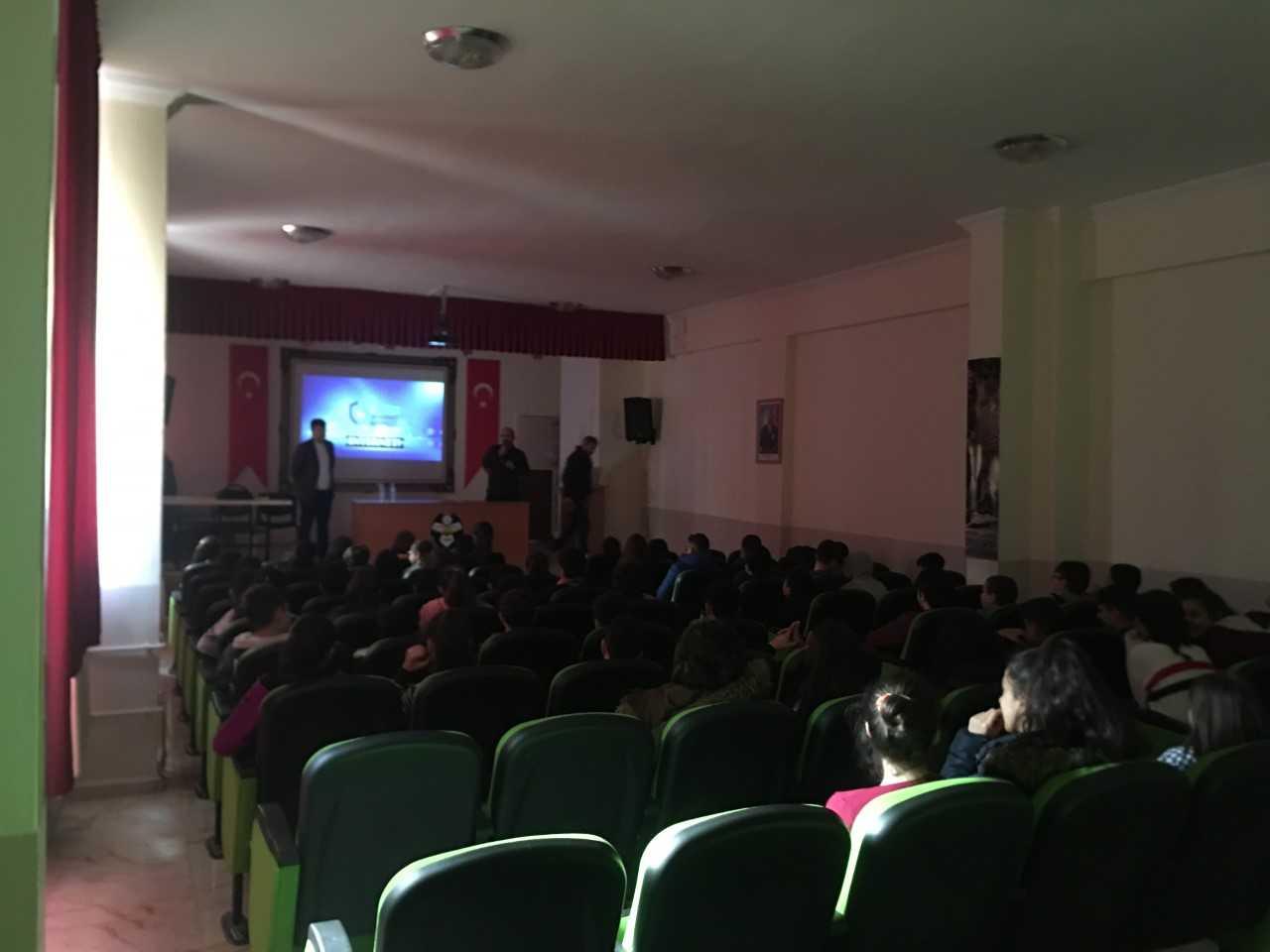 Tokat Halil Rıfat Paşa Ortaokulunda, Bilinçli Ve Güvenli İnternet Semineri