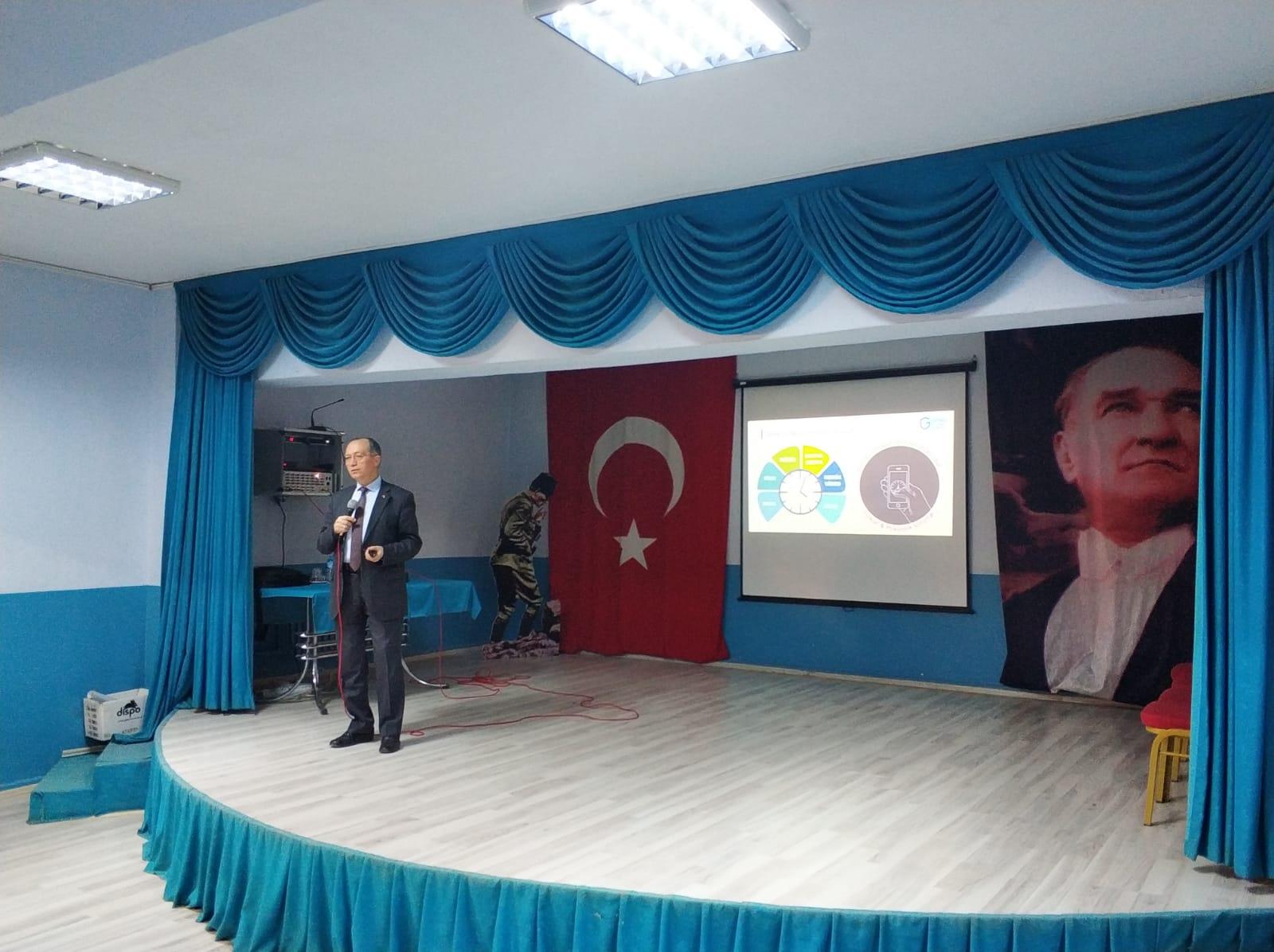 Aydın Koçarlı Cumhuriyet Ortaokulunda, Bilinçli Ve Güvenli İnternet Semineri
