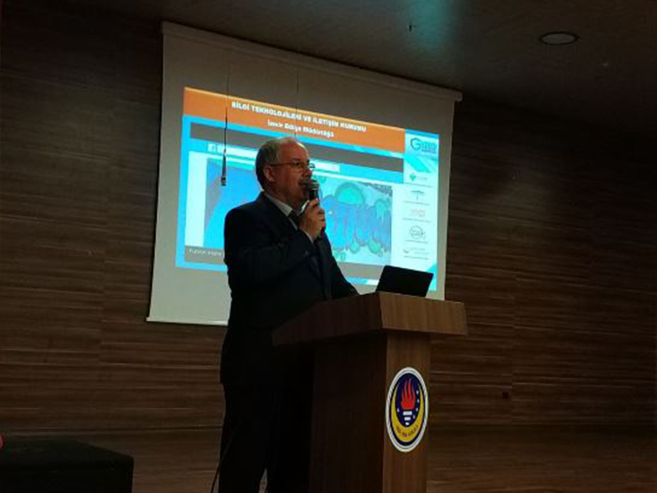 Aydın Germencik Himmet Condur cumhuriyet Ortaokulunda, Billinçli Ve Güvenli İnternet Semineri