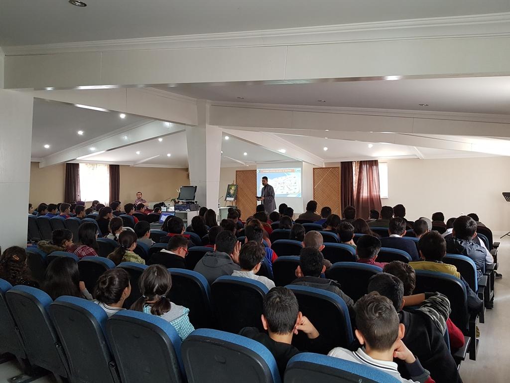 Ankara Gölbaşı Şehit Meriç Alemdar Ortaokulu Bilinçli ve Güvenli İnternet Semineri