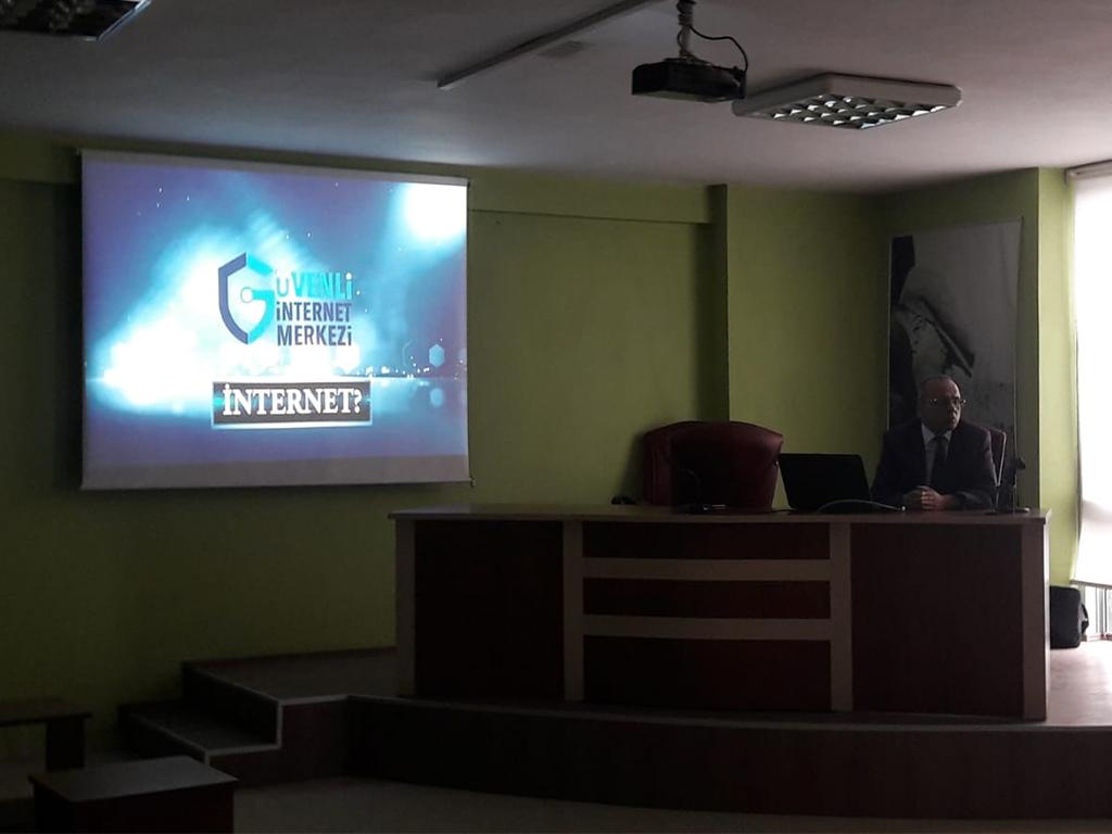 Ordu Ünye Kaymakamlığında Bilinçli ve Güvenli İnternet Semineri
